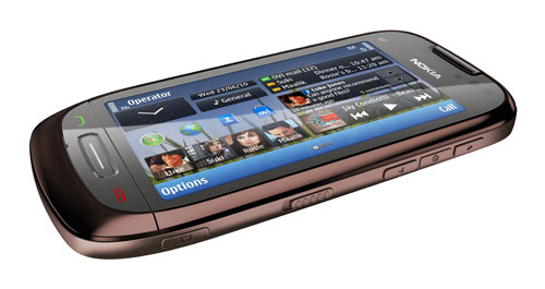 Nokia-C7_mahogany_brown_2_lores-1