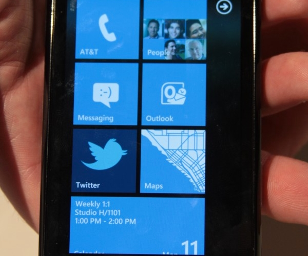 samsung-focus-windows-phone-7-wp7-hands-on-2-e1286817395108-660×990