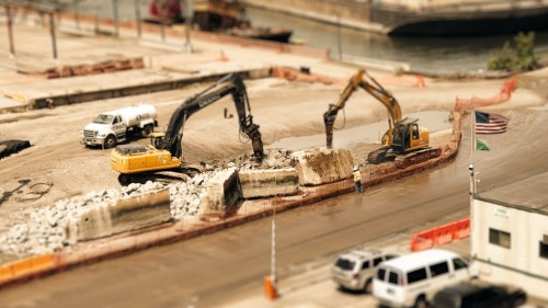 Diggers 1920 500x281 The Sandpit: A tilt shift video that will fool your mind