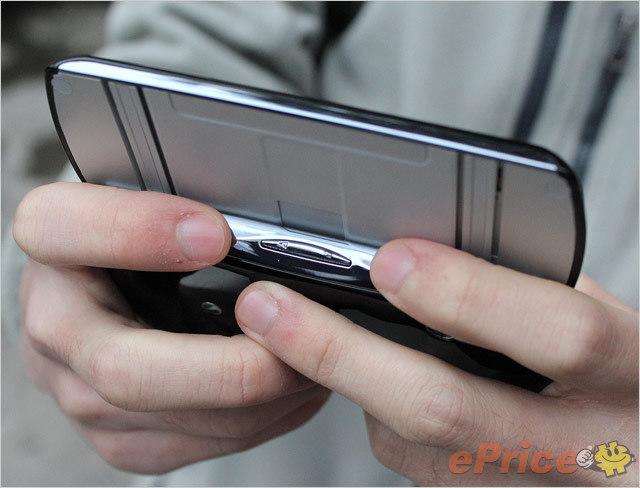 SE PS 手機 XPERIA Play 搶先測試:外型、設計詳細介紹-26