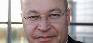 Stephen-Elop-Nokias-new-006-300×300