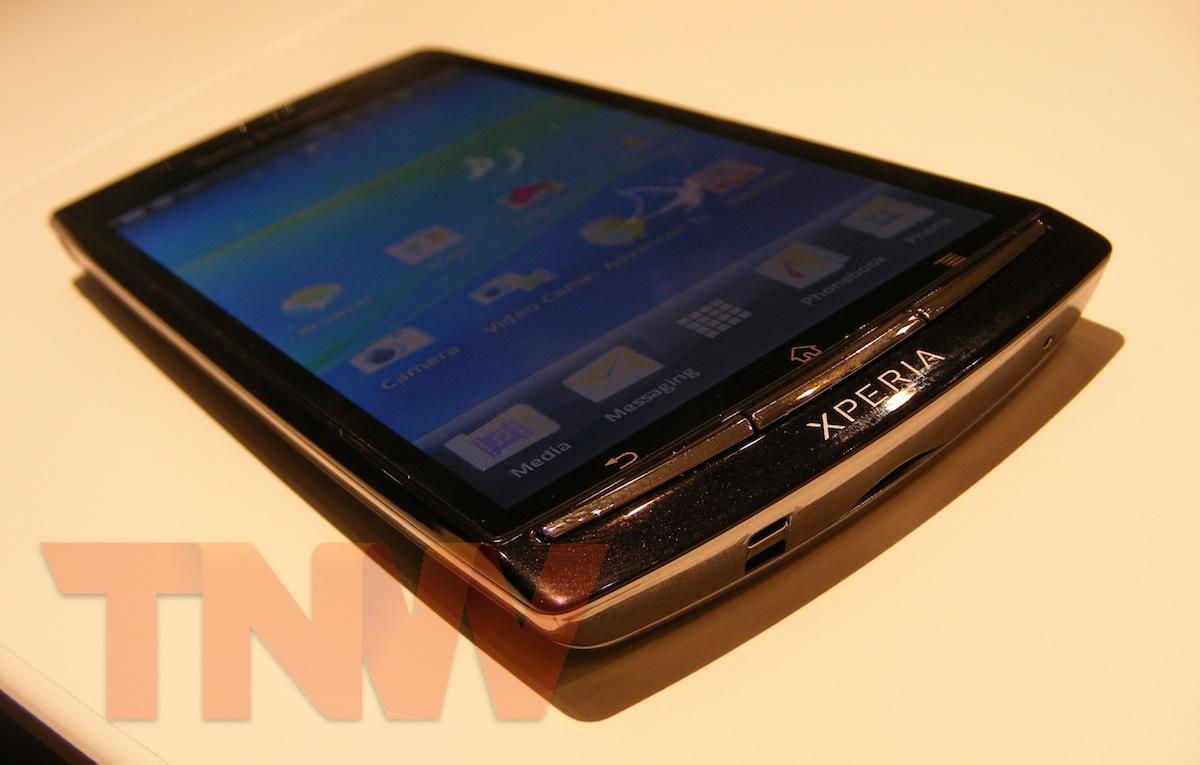 Sony Ericsson shows the Xperia arc