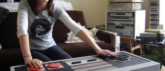 giant-Nintendo-NES_controller_DIY