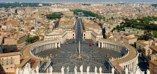 800px-st_peters_square_vatican_city_-_april_2007