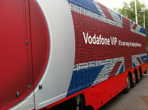 photo 6 520x388 The giant Vodafone truck that can charge 2,000 mobile handsets at one time