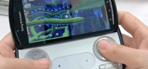 Xperia-Play-Demo-Playing-Game
