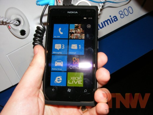 tnw57 520x390 Hands on with the Nokia Lumia 800 Windows Phone [Photos]