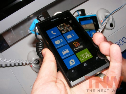 tnw58 520x390 Hands on with the Nokia Lumia 800 Windows Phone [Photos]