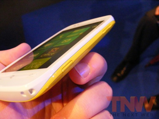tnw70 520x390 Hands on with the Nokia Lumia 710 Windows Phone [Photos]