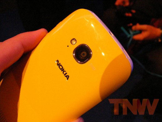 tnw72 520x390 Hands on with the Nokia Lumia 710 Windows Phone [Photos]