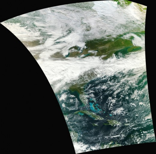 606076main VIIRS Swath 520x516 NASAs new weather satellite delivers its first crazy crisp image of Earth