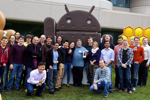 Screen Shot 2011 11 18 at 2.25.18 PM 520x347 The Woz collects his Galaxy Nexus early from Google HQ