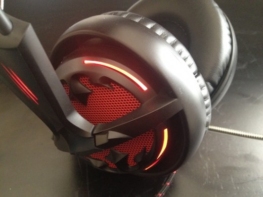 IMG 0235 520x390 SteelSeries Diablo 3 headset review   Evil looks meet beautiful sound