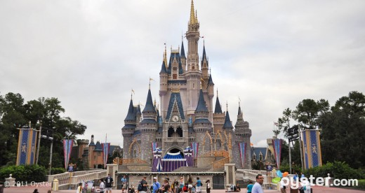 disney world magic kingdom v723561 w902 520x276 The Best Places in the World to be on New Years Eve