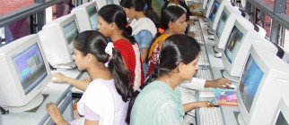 indians-internet-cyber-cafe
