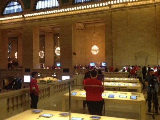 large 5 520x390 Apples new Grand Central store opens Friday, heres a photo tour