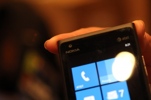 IMG 5624 520x346 We took a closer look at the Nokia Lumia 900, yep its great [Video]