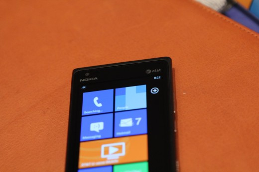 IMG 5630 520x346 We took a closer look at the Nokia Lumia 900, yep its great [Video]