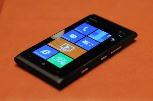 IMG 5631 520x346 We took a closer look at the Nokia Lumia 900, yep its great [Video]