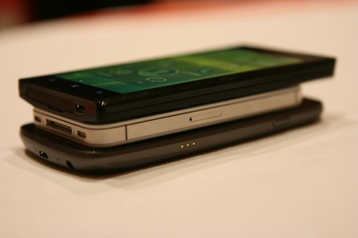 IMG 6940 520x346 First hands on with the Lenovo K800 running Intels Medfield [Video]