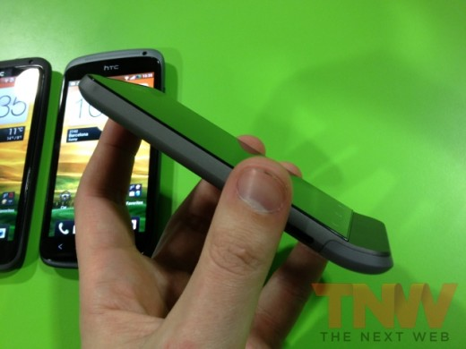 IMG 1745wtmk 520x390 Hands on with HTCs new One series smartphone lineup [Photos]