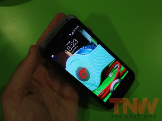 IMG 1865wtmk 520x390 Hands on with HTCs new One series smartphone lineup [Photos]