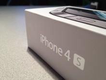 iphone 4s boxed 220x165 China Mobile chief reveals ongoing talks with Apple over the iPhone