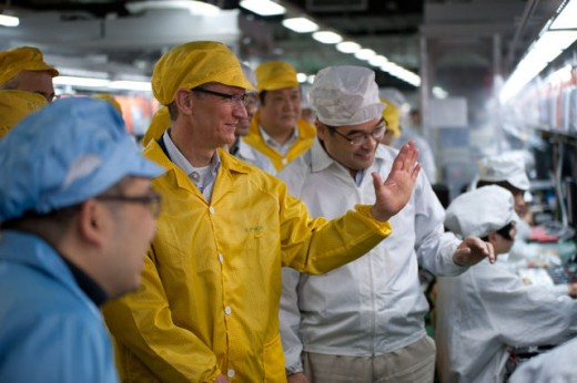 tim cook at foxconn 520x346 Apple reveals Tim Cook visited a Foxconn factory during his China trip