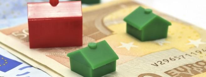 Casas y billetes aislados