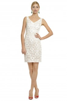 dress moschino so sweet lace sheath 220x330 How two businesswomen convinced the world to Rent the Runway