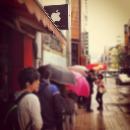 korea ipad1 520x520 Queues in Malaysia and Korea as Apples new iPad goes on sale in 12 more countries