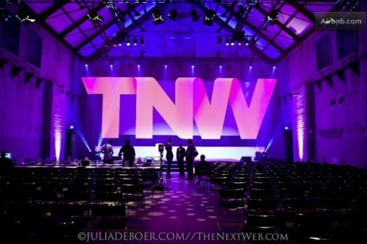large 520x346 Want to sleep over at the TNW2012 stage? Rent it on Airbnb!