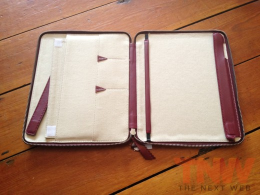 IMG 2578wtmk 520x390 Review: Lacambras stylish, elegant leather case positions your iPad any way you want it