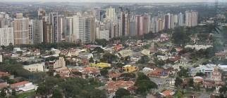 Curitiba by Thomas Hobbs