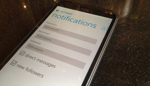 TWITWIN1 520x299 Twitters Windows Phone app finally gets push notifications