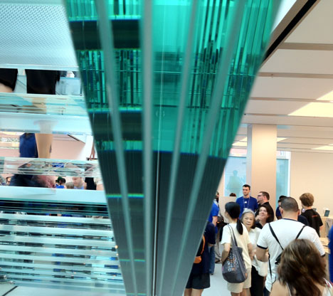 0appleglassstairs51 Apple perfectionism at its best: The new Soho store and giant pieces of seamless glass