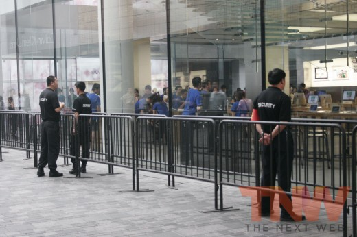 3 520x346 Apples new iPad launches in China with short queues and no chaos