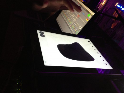 ipad smudge 520x390 Meet Smudge: DJ Richie Hawtins iOS app lets you control sound and lighting in the club