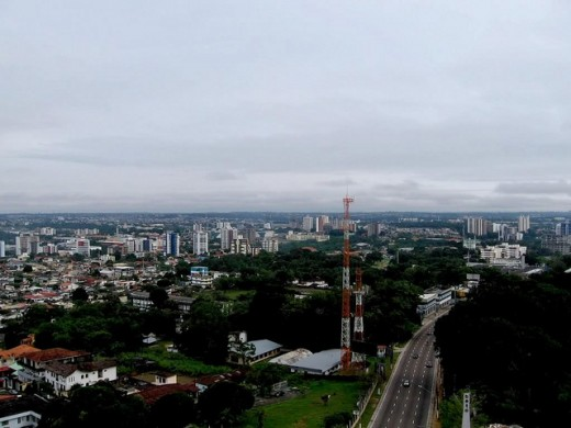 manaus skyline by lukas am 520x390 Issue v0.7: 18 Latin American Tech Hubs You Should Know