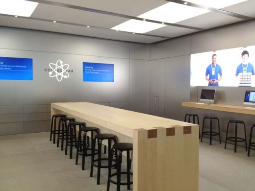 new genius bar 2012 big 520x390 Apple begins testing new Genius Bar layout to increase appointment capacity