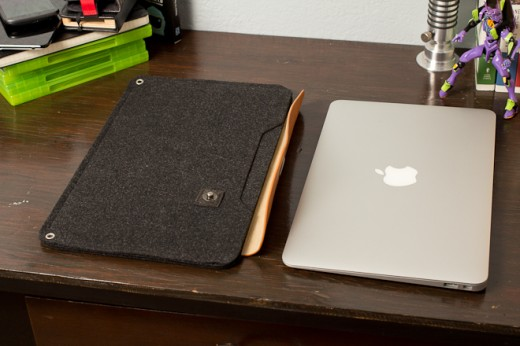 IMG 6939 520x346 Review: Mujjo Originals sheathes your MacBook in lovely swatches of leather and felt