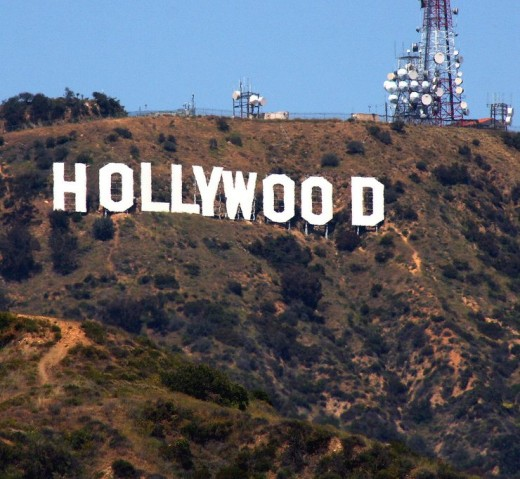 hollywood 520x479 Bubble Motion lands $5m to bring its Twitter for voice service to the US, via Hollywood