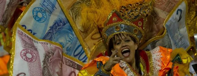 A reveller of Gavioes da Fiel samba scho
