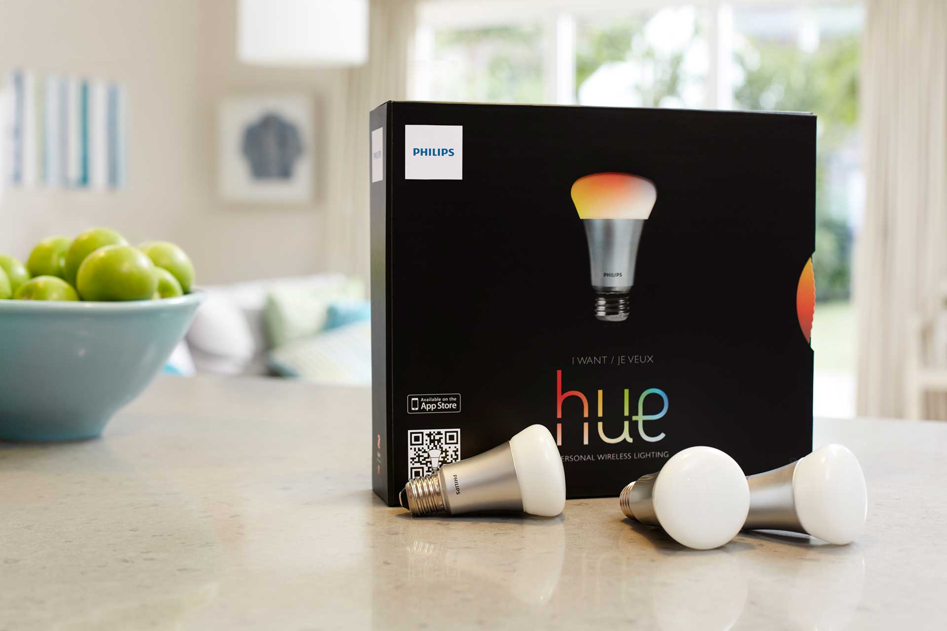 philips hue the smart lightbulb exclusively hitting apple stores on oct 30. Black Bedroom Furniture Sets. Home Design Ideas