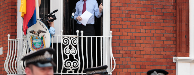 julian assange via getty images 3
