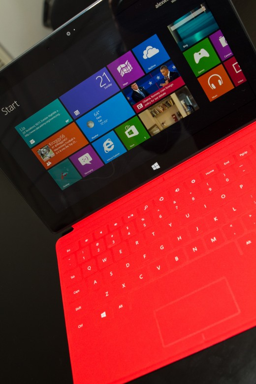 red1 520x780 A whole mess of Surface pictures to satiate your every desire and wish