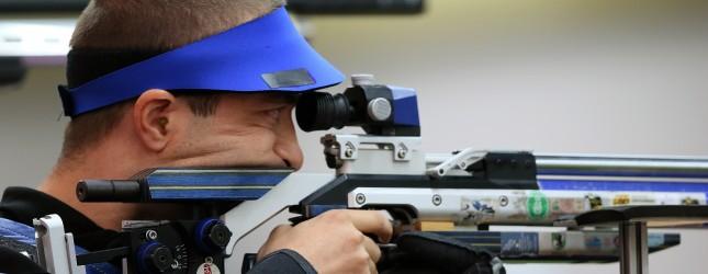 Romania's Alin George Moldoveanu compete