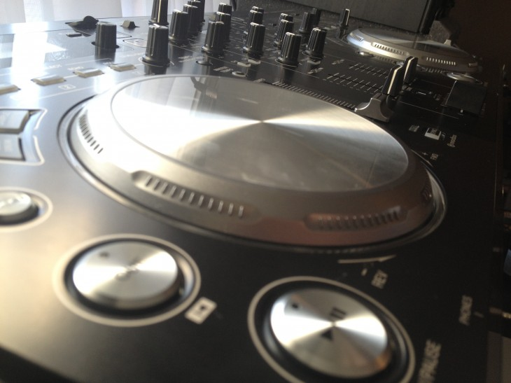 IMG 0199 730x547 Pioneer XDJ AERO review: Lots of fun, lots of potential...lots of money