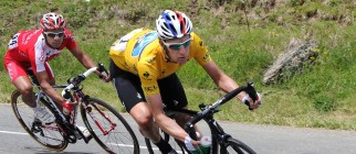 Yellow jersey leader British Bradley Wig