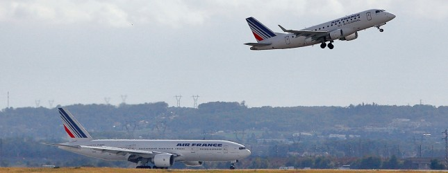 plane-takeoff